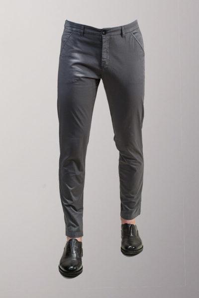 pantalone chino grigio