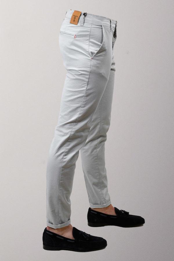 pantaloni chino grigio ghiaccio
